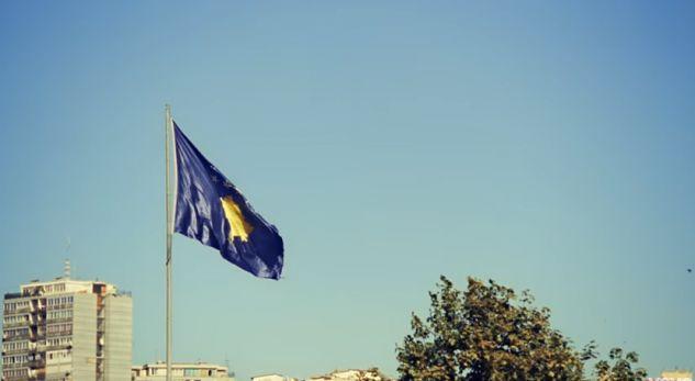 """A është vendosur flamuri shtetëror sot """"Te Rrethi""""?"""