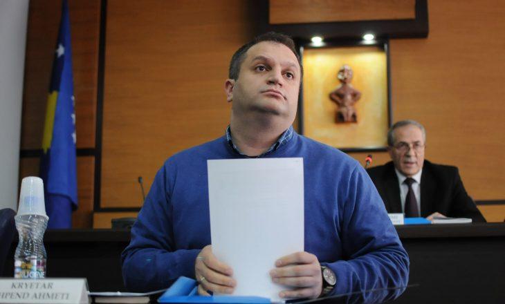 Ahmeti pritet t'i shkarkojë tre drejtorët e VV-së në Komunën e Prishtinës