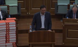 Konjufca-Haradinajt: A keni mendu për nëndetëse se i duhen Thaçit