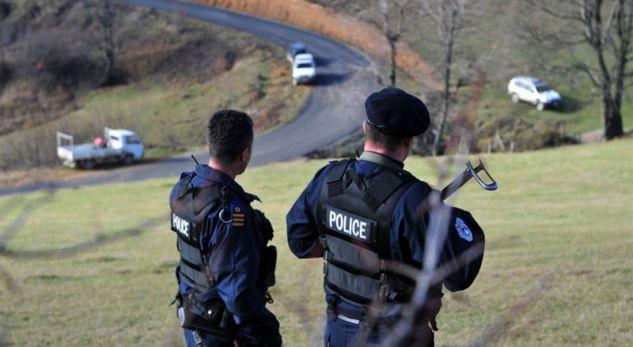"""Policia sqaron hyrjen e """"policëve serbë"""" në Makoc"""