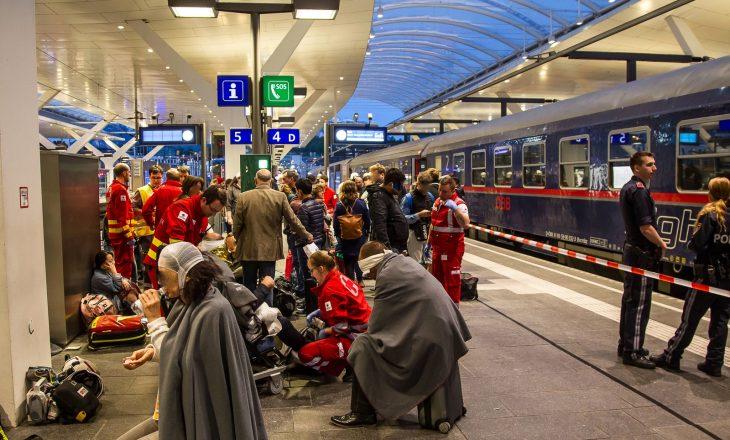 50 persona të lënduar nga përplasja e dy trenave në Austri