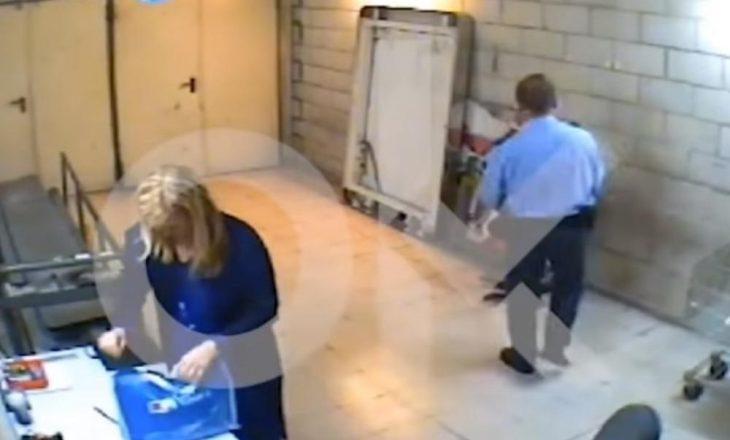 Politikania spanjolle kapet duke vjedhë në shitore