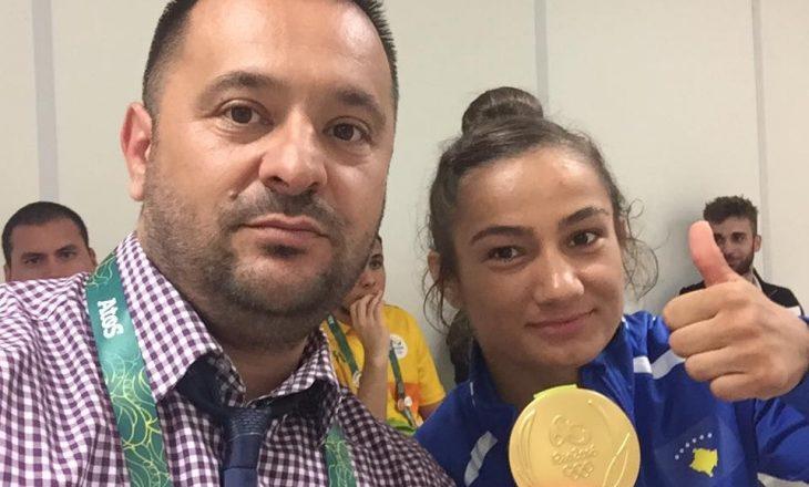 Toni Kuka krenar me mbesën e tij të artë