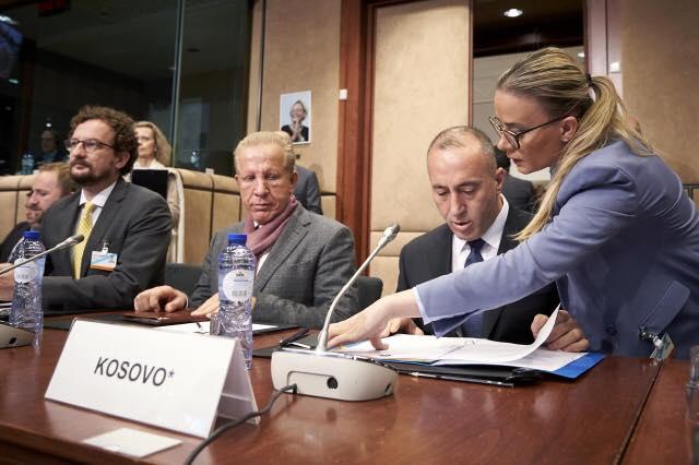 """Këshilltarja e Haradinajt i kujton LDK-së """"tradhtinë për postet qeveritare"""""""