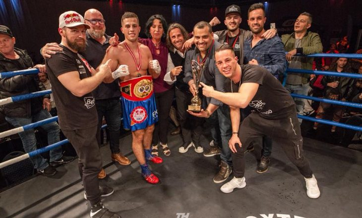 Edhe një kampion shqiptar në boks, kësaj radhe në IBF International (VIDEO)