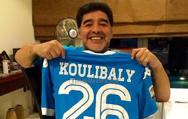 Festa e të madhit Maradona pas fitores së Napolit (Foto)