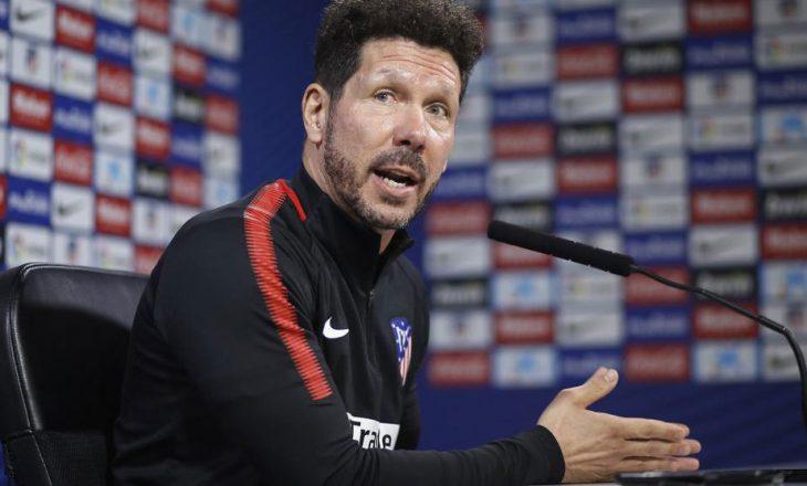 """Simeone """"thumbon"""" Barçën për Messin"""