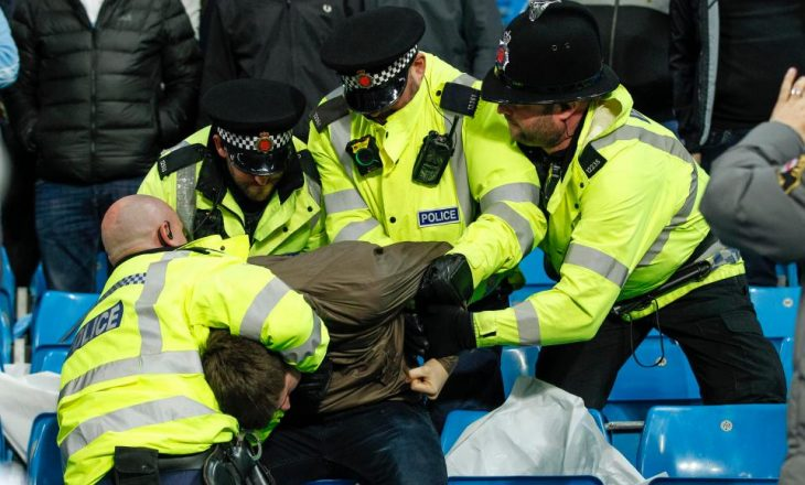 """Skena dhune në """"Etihad"""" gjatë ndeshjes (Video)"""