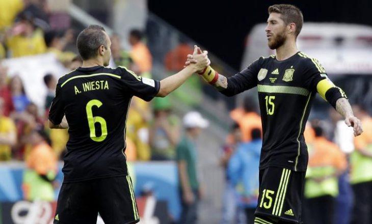 "Sergio Ramos sulmon ""France Footbal"" dhe i del në mbrojtje Iniestas"