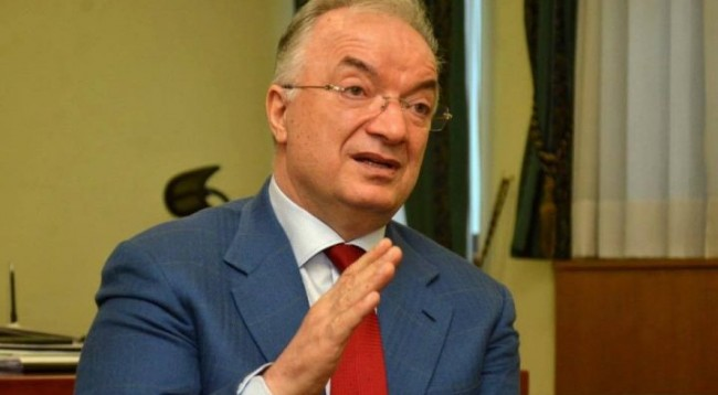 Haliti thotë se qeveria mund të bjerë, ministrin Sefaj e quan viktimë