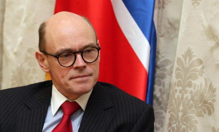 Ambasadori që erdhi në Kosovë me targa të Beogradit