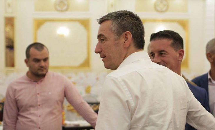 Veseli vazhdon të këshillohet nga njeriu me aktakuzë për korrupsion