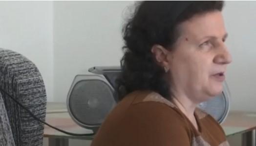 Skandaloze: Gruaja e verbër nuk u lejua të hip në autobusin për Ferizaj