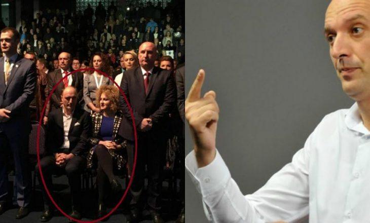 Ymeri tregon pse nuk ishte ngritur në këmbë për himnin e Kosovës