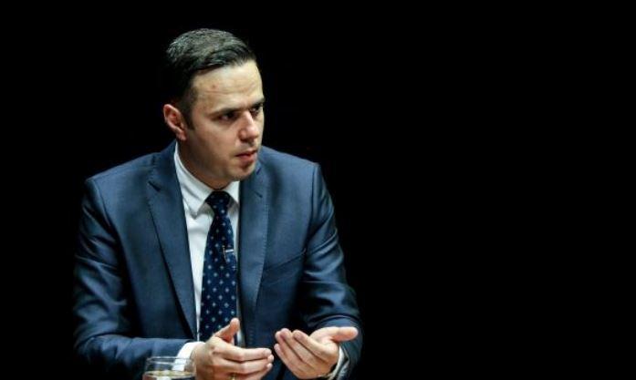 """""""VV është në fazën fillestare të politikës, ende nuk e pranon mendimin ndryshe"""""""
