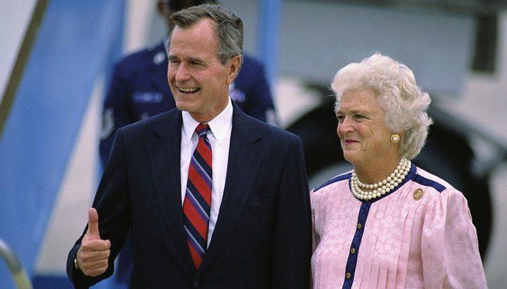 Ish-Zonja e Parë, Barbara Bush e sëmurë rëndë