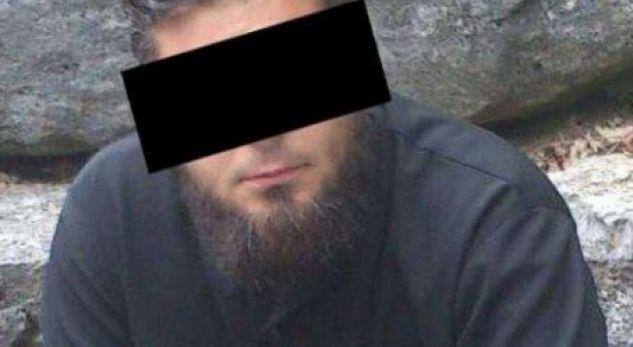 Dënohet ish-kryetari i xhamisë, pasi ka lejuar djemtë e tij të mitur të vozisin veturë
