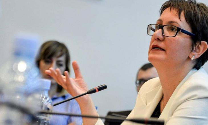 Aida Dërguti i reagon Kurtit: Shansin e liberalizimit e humbëm me mosvotim të demarkacionit