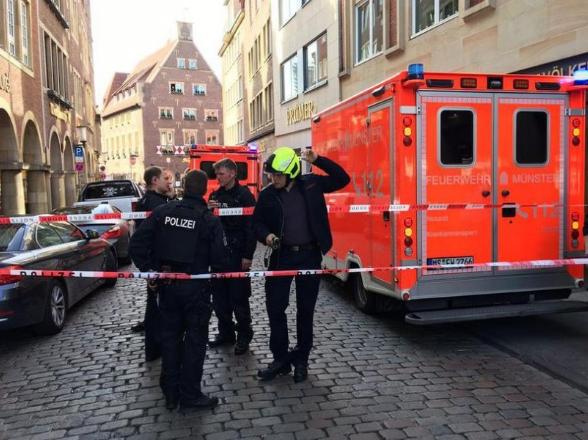 Vetura godet turmën në Gjermani – ka edhe të vdekur