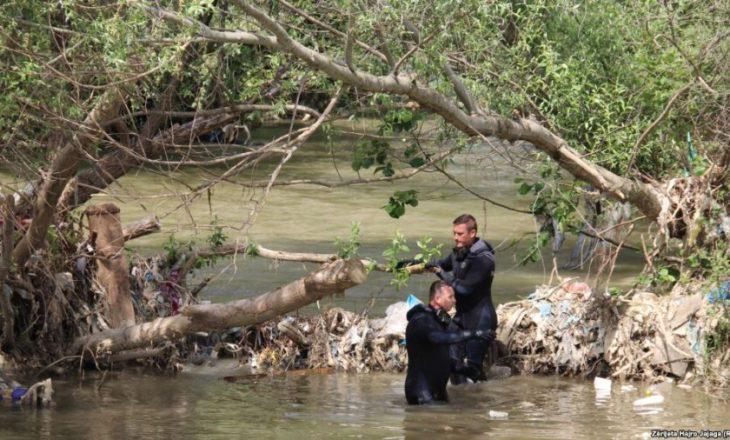 Zv/ministri i Brendshëm i Maqedonisë jep detaje nga kërkimet për gjetjen e dy policëve