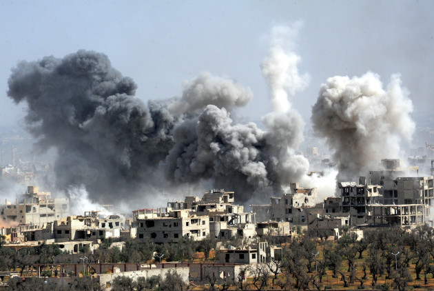 Skenarët e luftës në Siri – nga bombardimet tek përplasja mes SHBA-ve dhe Rusisë