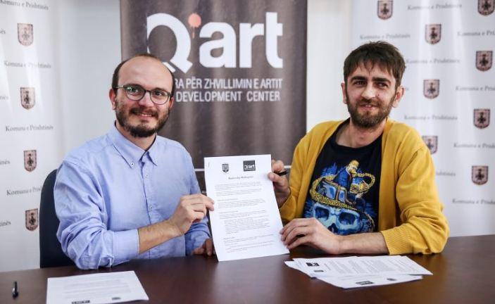 """Komuna e Prishtinës dhe """"Q'ART"""" me memorandum për shtimin e aktiviteteve kulturore"""