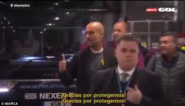 Autobusi i Cityt u sulmua nga tifozët e Liverpool – shikoni reagimin e Pep Guardiolës