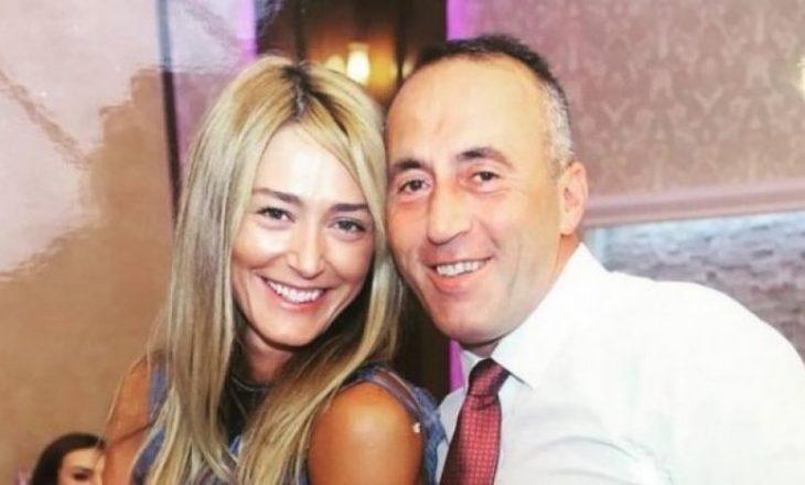 """Haradinaj përshkruan dashurinë ndaj gruas me këngën """"Oj dashnia jem a je gjallë"""" (Video)"""