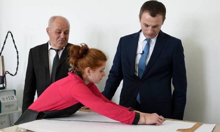 Ministri Reçica fton të rinjtë që të aftësohen profesionalisht në Qendrat e Aftësimit Profesional