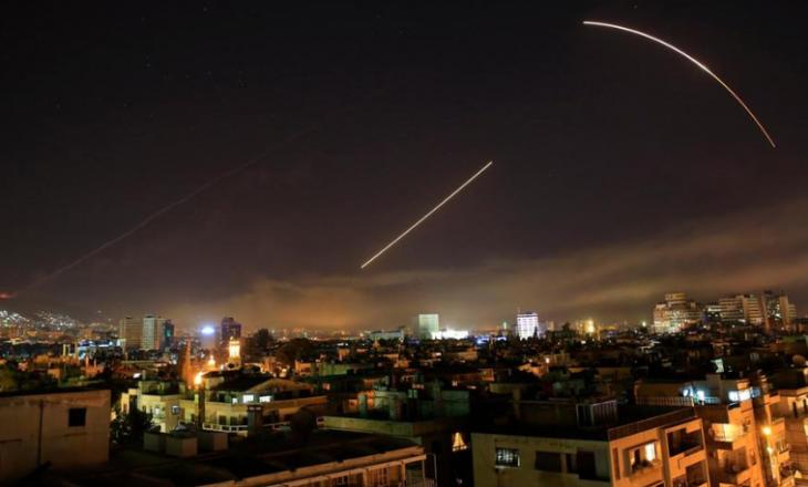Fillojnë protestat e sirianëve në kundërshtim të sulmeve nga SHBA