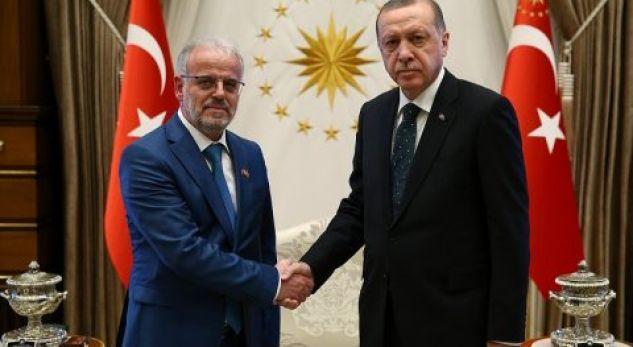 Talat Xhaferi takohet me Tayyp Erdogan – ja për çka biseduan