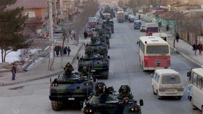"""21 të dënuar me burg të përjetshëm për rastin e """"28 shkurtit"""" në Turqi"""