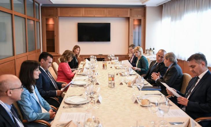 Çka diskutoi Kryeministri Haradinaj me Komisionierin Hahn