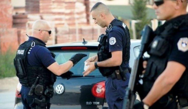 I ofron policisë në kufi 20 euro për ta lejuar të hyjë në Kosovë, reagojnë policët