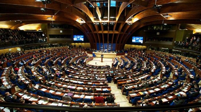 KE mblidhet sot që të vendos për negociatat me Shqipërinë dhe Maqedoninë e Veriut