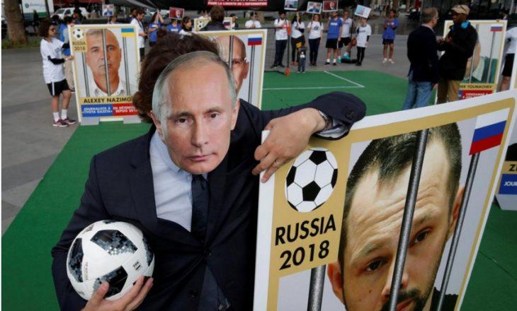 """""""Reporterët pa kufij"""" protestojnë për sulmin ndaj gazetarëve në Rusi"""