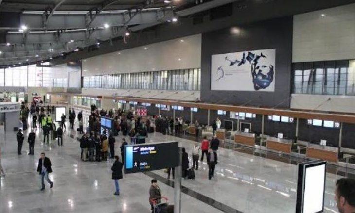 Iu gjet drogë në çantë, arrestohet një grua në Aeroportin e Prishtinës
