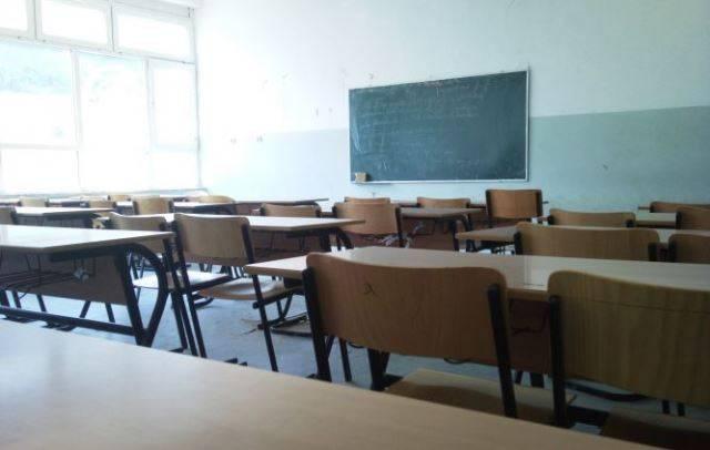 500 nxënës rrezikojnë jetën – dy shkolla drejt shembjes