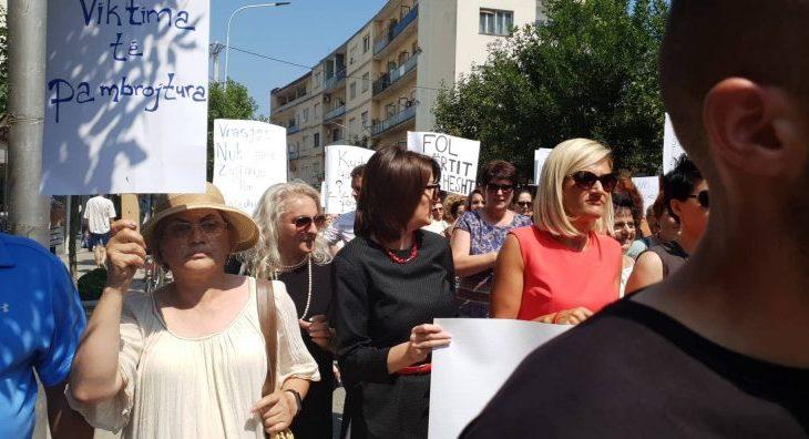 Jahjaga: Gratë në Kosovë s'janë të sigurta në punë e shkollë, tash as në familjet e tyre