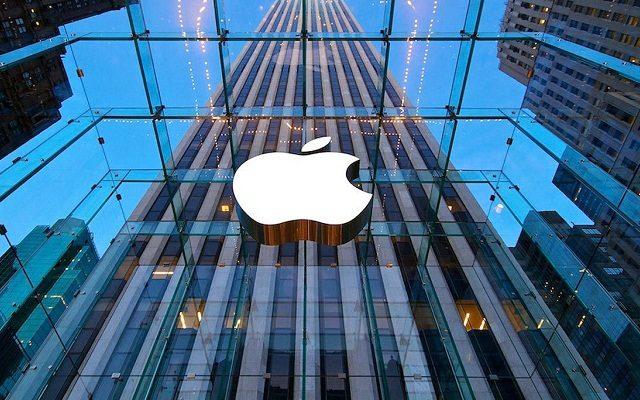 Apple humb më shumë se 50 miliardë dollarë për një ditë