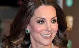 Shenja 7 centimetra që Kate ka në fytyrë, por askush nuk e ka vënë re