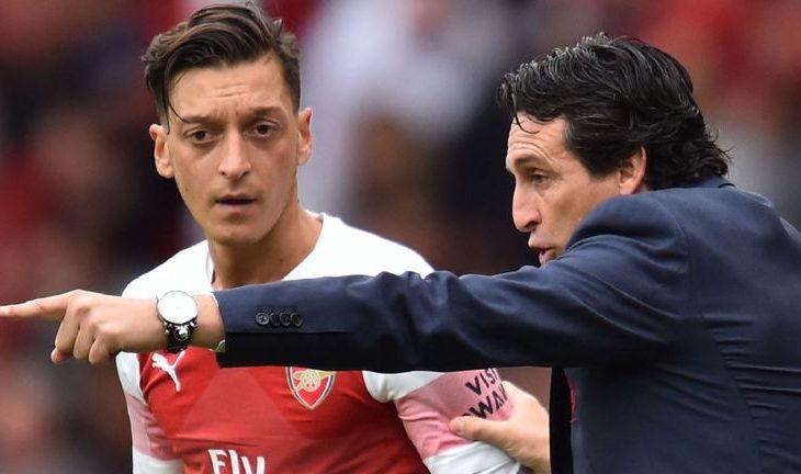 Legjenda e Arsenalit: Ozil duhet të largohet në rast se….