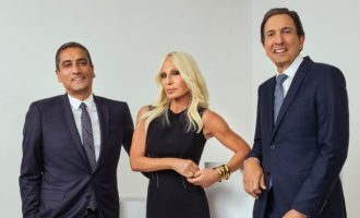 Michael Kors e blen Versace për 2.1 miliardë dollarë