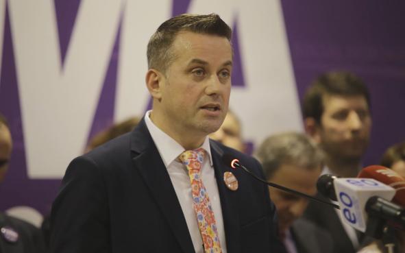 """Politizimin e bordeve s'ka kush e ndal, Ilir Rexhepi i KRU """"Prishtina"""" bëhet pjesë e Nismës"""
