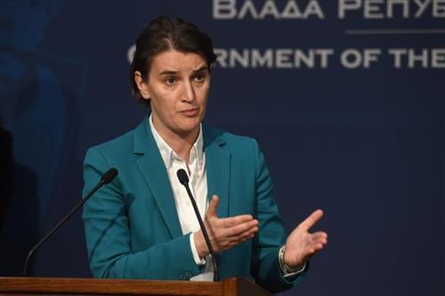Kryeministrja serbe e mllefosur pas ndalimit të Vuçiqit: Shqiptarët nuk po i respektojnë marrëveshjet
