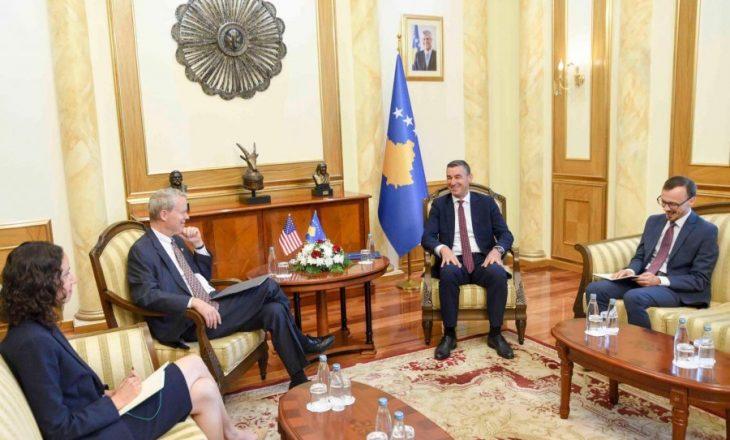 Delawie në takim me Veselin: SHBA-ja mbetet mbështetëse e Kosovës
