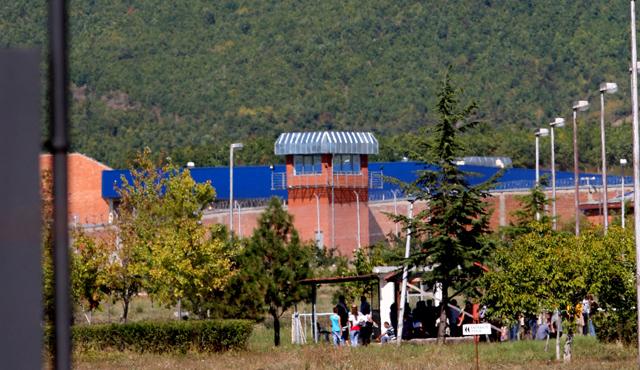 Rrahje mes të burgosurve në Burgun e Dubravës