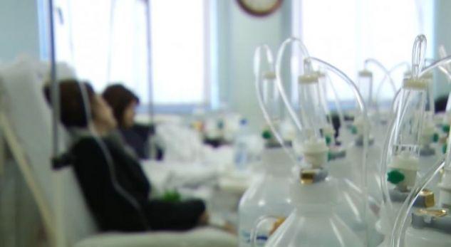 Pacientëve me kancer nuk u jepet kimioterapia – Mjekët në grevë
