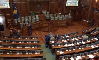 Vazhdon seanca, deputetët e PSD-së e bëjnë kuorumin
