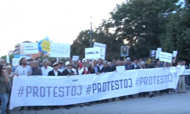 Përfundon protesta në Prishtinë, kërkohen edhe zgjedhje të reja